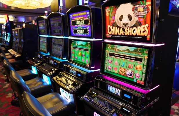 What Everyone Dislikes About Slot online And Why